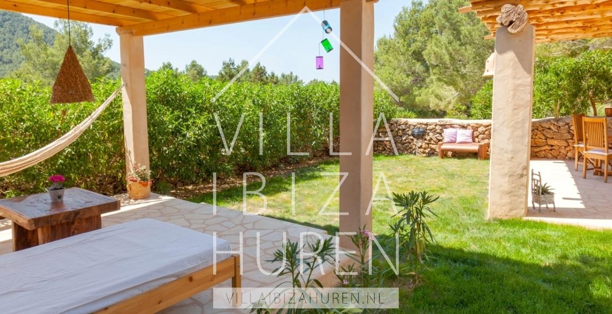Villa cala vadella ibiza 2 villa ibiza huren - Buiten villa outs ...